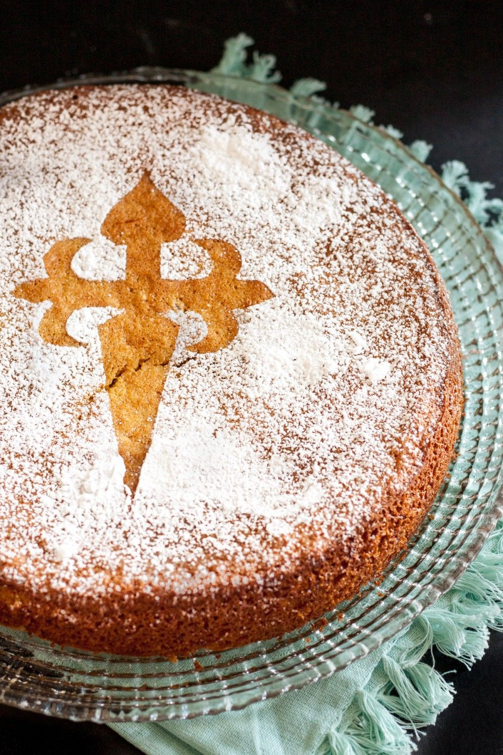 The tarta de santiago saint james cake is a classic spanish the tarta de santiago saint james cake is a classic spanish dessert this gluten free almond cake recipe is simple to follow and makes a delightful forumfinder Choice Image