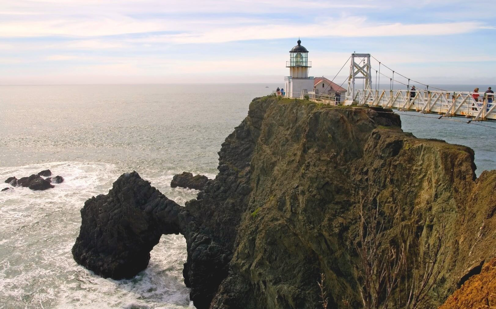 Point Bonita Lighthouse is out on the rocky point on the north side of the entrance to San Francisco Bay. There is no beach access from this point, but the