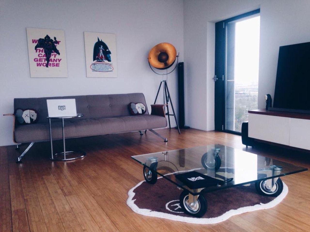HYPEBEAST : Photo | Hypebeast room, Living room setup, Room