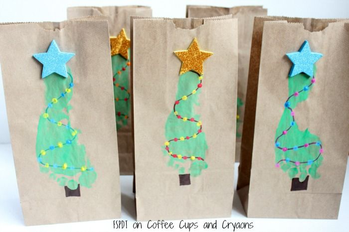 Diy Christmas Tree Footprint Gift Bags Coffee Cups And Crayons Diy Crafts Christmas Tree Footprints Easy Diy Crafts