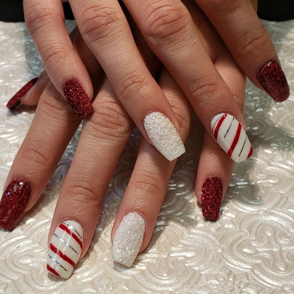 18 Creative Acrylic Nail Designs With The Red Shade Every