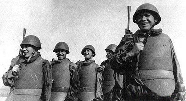 1917: Early Bulletproof Vest | 歴史, モノクロ写真, 面白い画像
