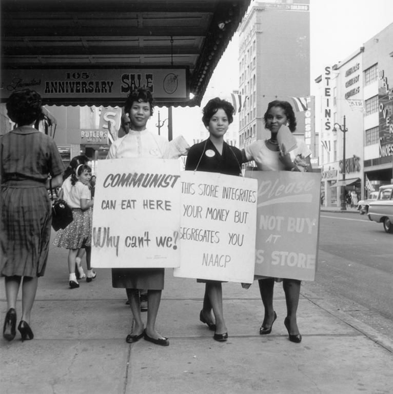 60s photography 1960s peaceful protest outside of a store