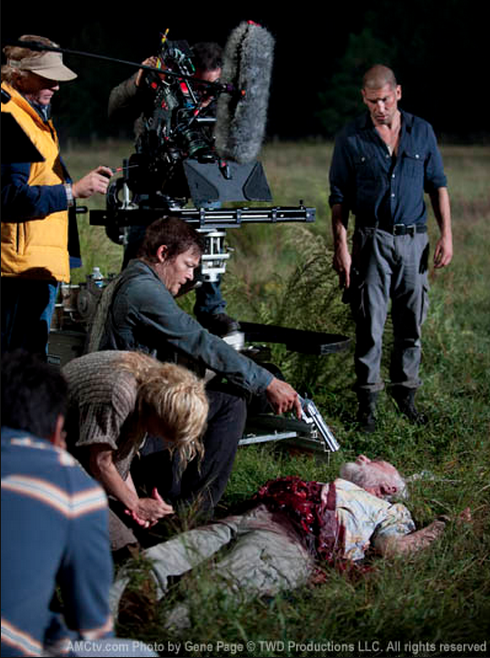 I can't stop looking at this, I love seeing the reality of filming the show, get so caught up in TWD that sometimes I forget it's just actors and filming! I wanna see more like this, so cool!