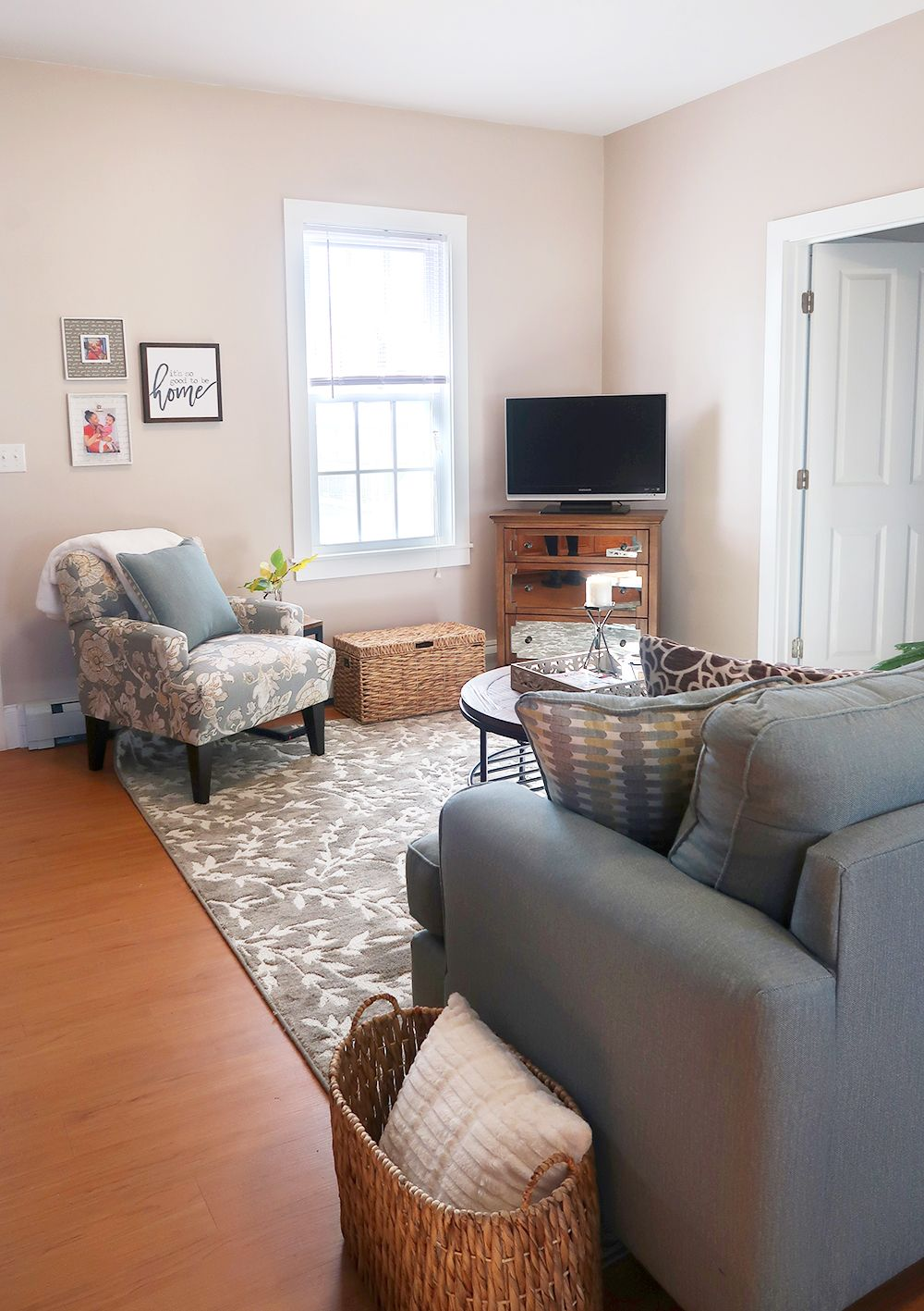 How to decorate and layout furniture in a small open concept ...