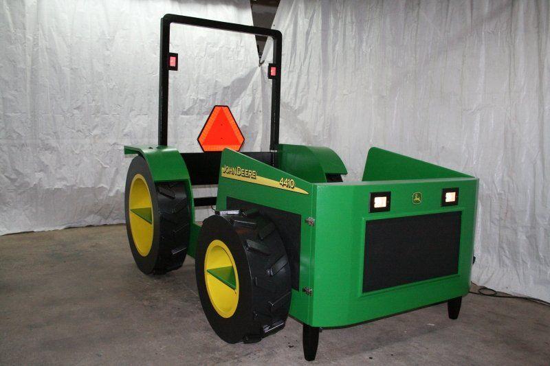 wood tractor bed plans john deere tractor bed a pinterest. Black Bedroom Furniture Sets. Home Design Ideas