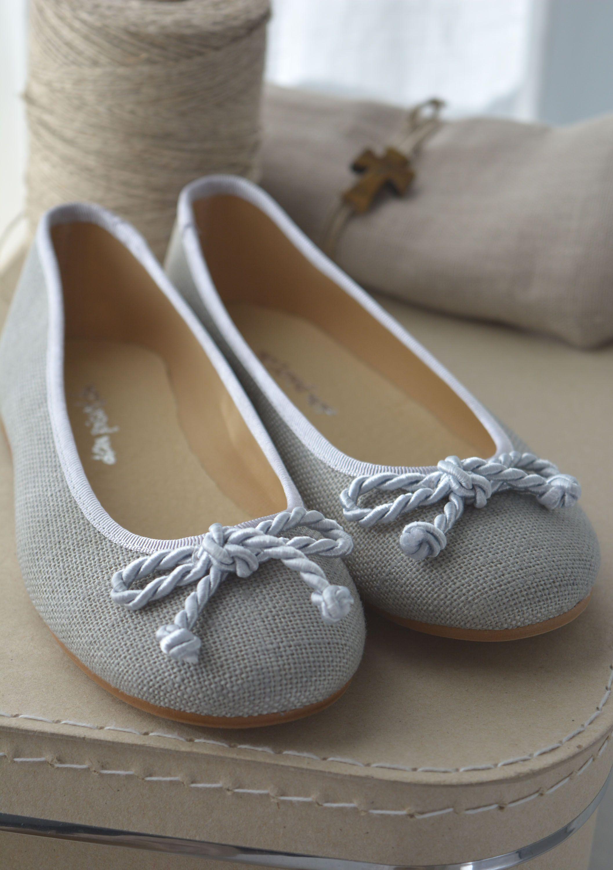 40a2bb45 Bailarinas lino gris.   Shoes   Zapatos comunion niña, Bailarinas ...