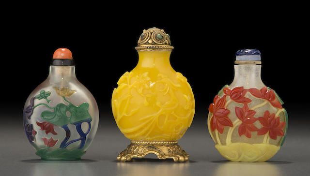 Three glass 'lotus' snuff bottles Late 18th/19th century