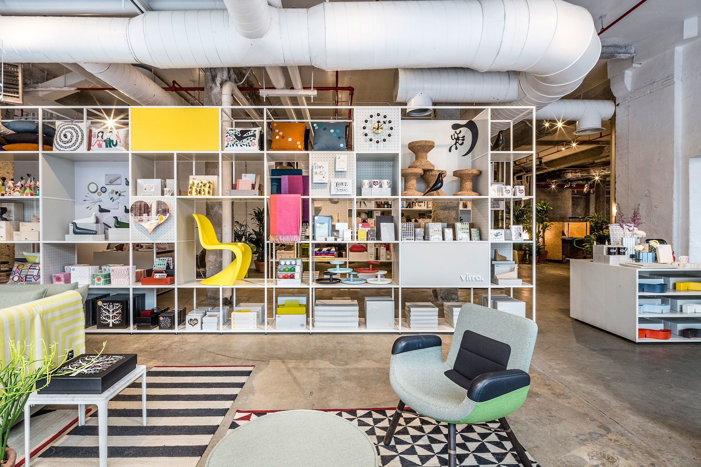 New Vitra Designs Make Their U S Debut In An Nyc Pop Up  # Muebles Sirena Animal Crossing