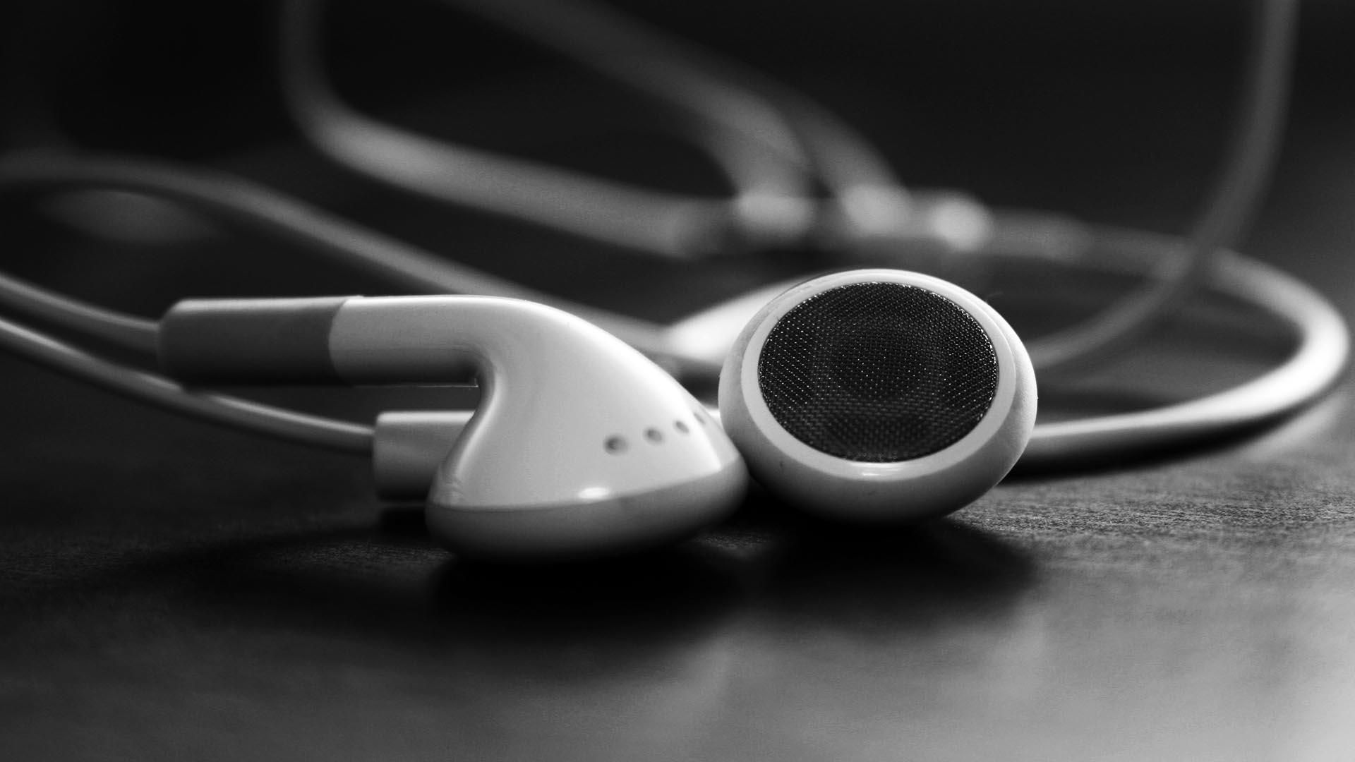 Random Collections Of Wallpapers White Headphones