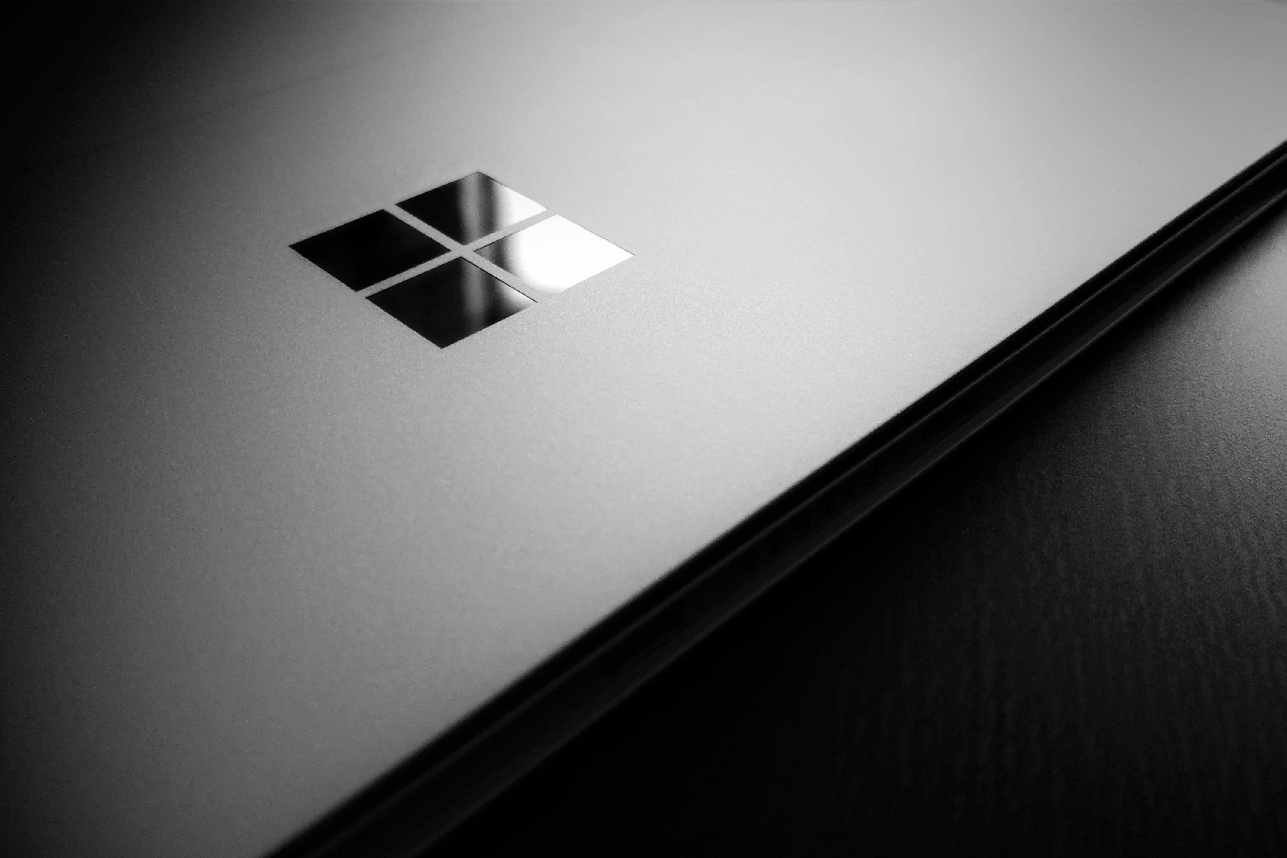 Microsoft Windows Logo Microsoft Microsoft Windows Windows 10 Wooden Surface Logo Laptop 4k Wallpaper Hdwallpap Microsoft Windows Windows Logo Windows 10