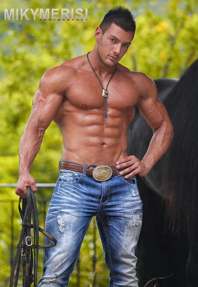 Italian men! Okay wow muscle right here !   Hot Italian ...