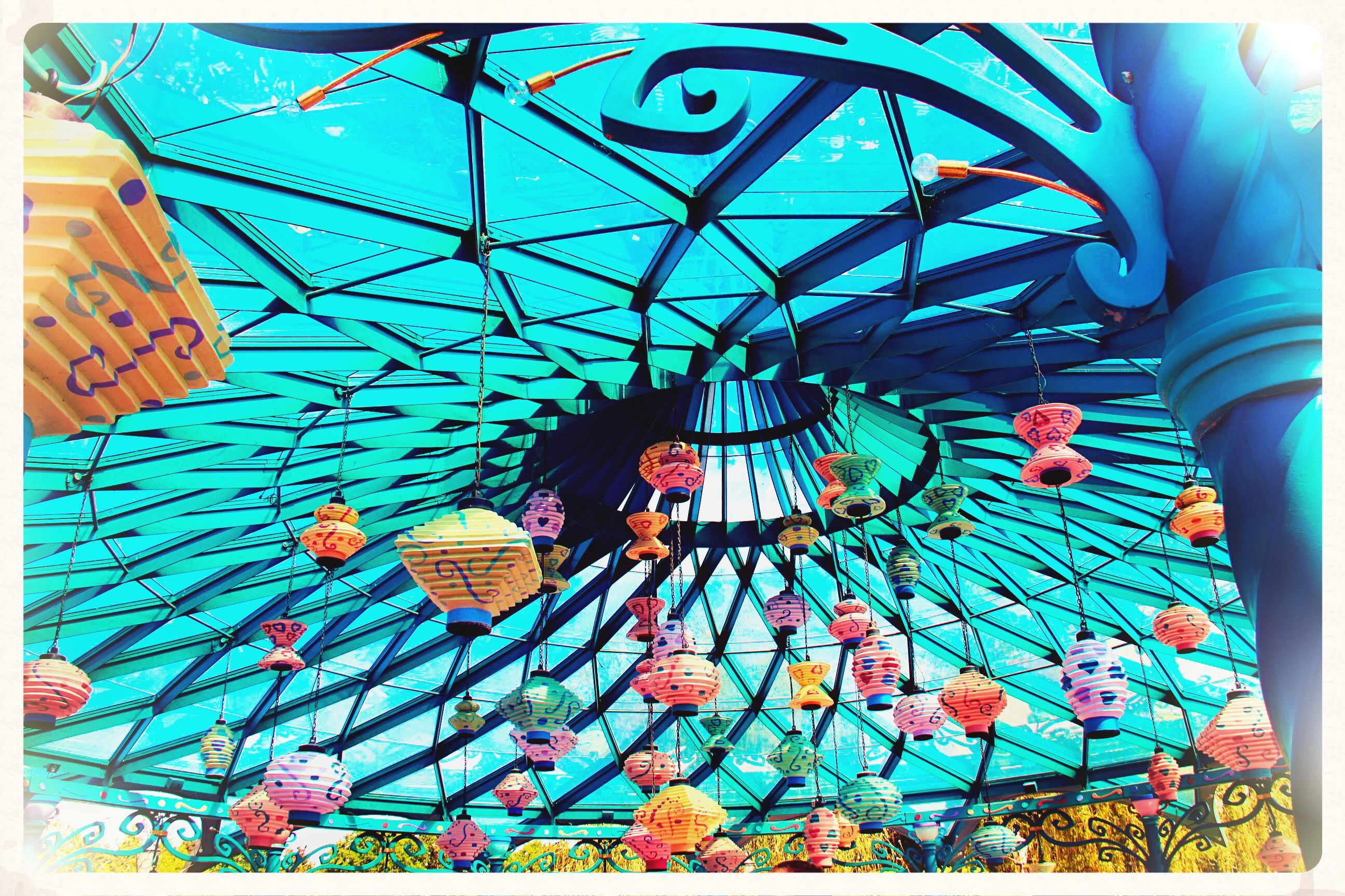 I love the roof decor in the teacups ride. Alice in wonderland heaven