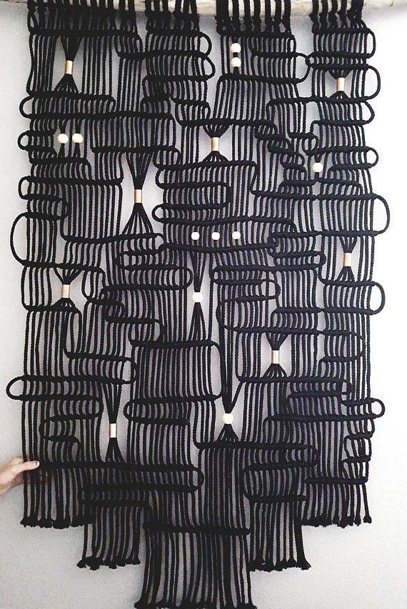 Extra Large Black And Copper Macrame Wall Hanging On Pacific Coast Driftwood By Hemisphereca On Etsy Com Imagens Ideias De Bordado Tecelagem Decoracao