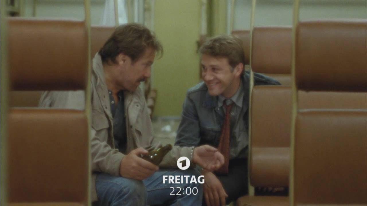 """Schimanski statt """"Tatort"""": Götz George wäre letzten Samstag 78 Jahre alt geworden. Heute um 22:00 Uhr zeigt Das Erste """"Blutsbrüder"""" – mit Götz George und Oscarpreisträger Christoph Waltz. Mehr: http://s.daserste.de/2a6WZHJ"""