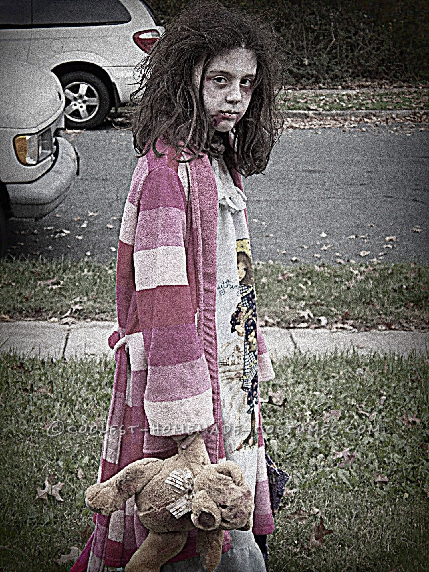 Scary homemade costume for a girl little zombie girl for Cool halloween costumes for kids girls