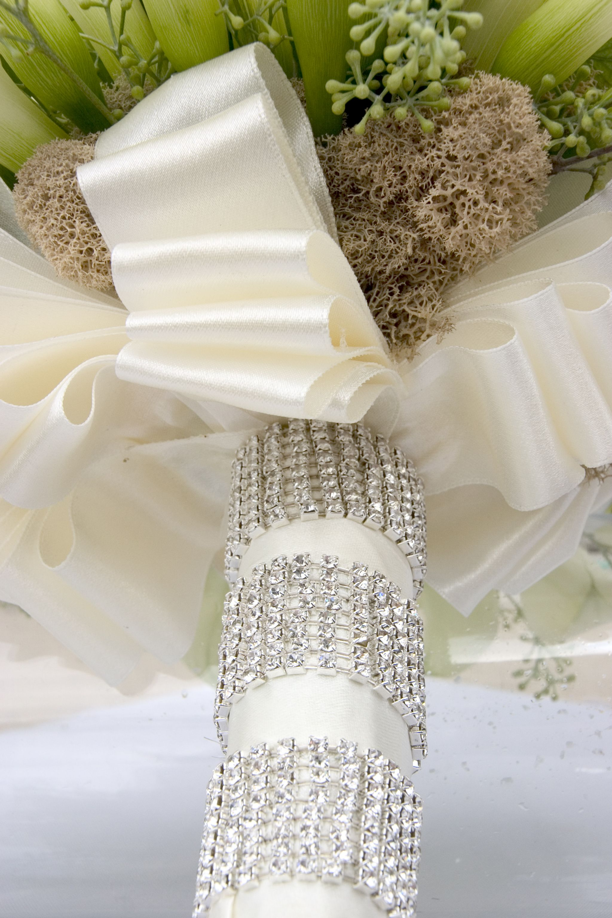 A White Bling Wedding | Calla lilies, Bridal bouquets and Wedding