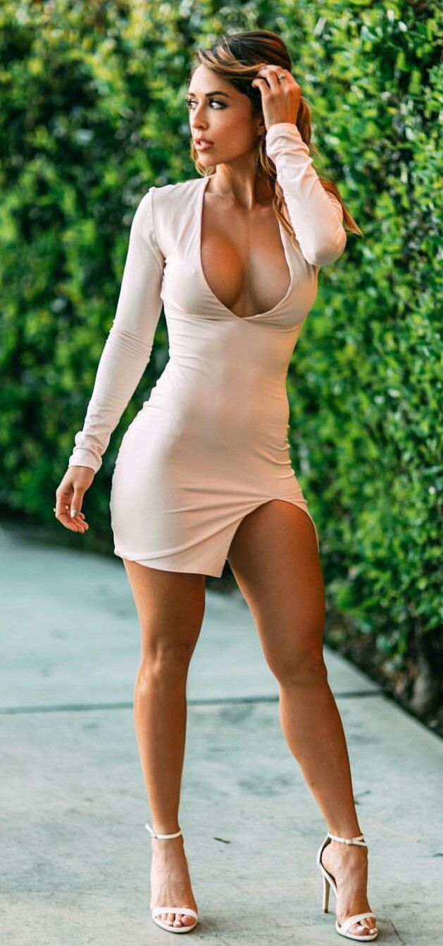 Sexy Ladies In Tight Dresses