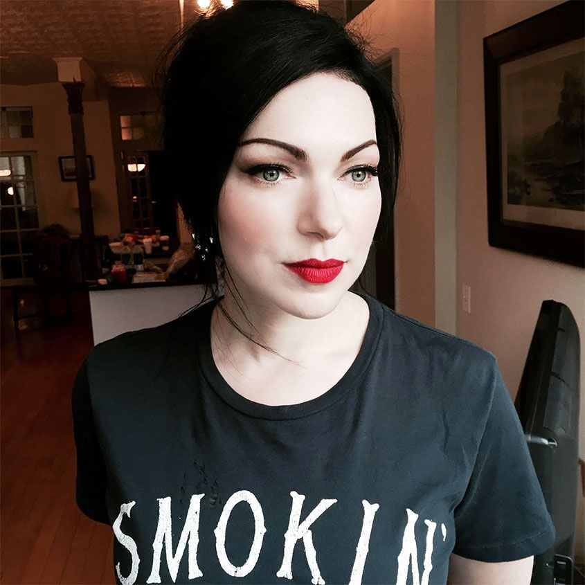 copy laura prepon's amazing beauty look