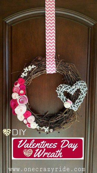 DIY Vertical Valentine's Day Wreath @heathermilner