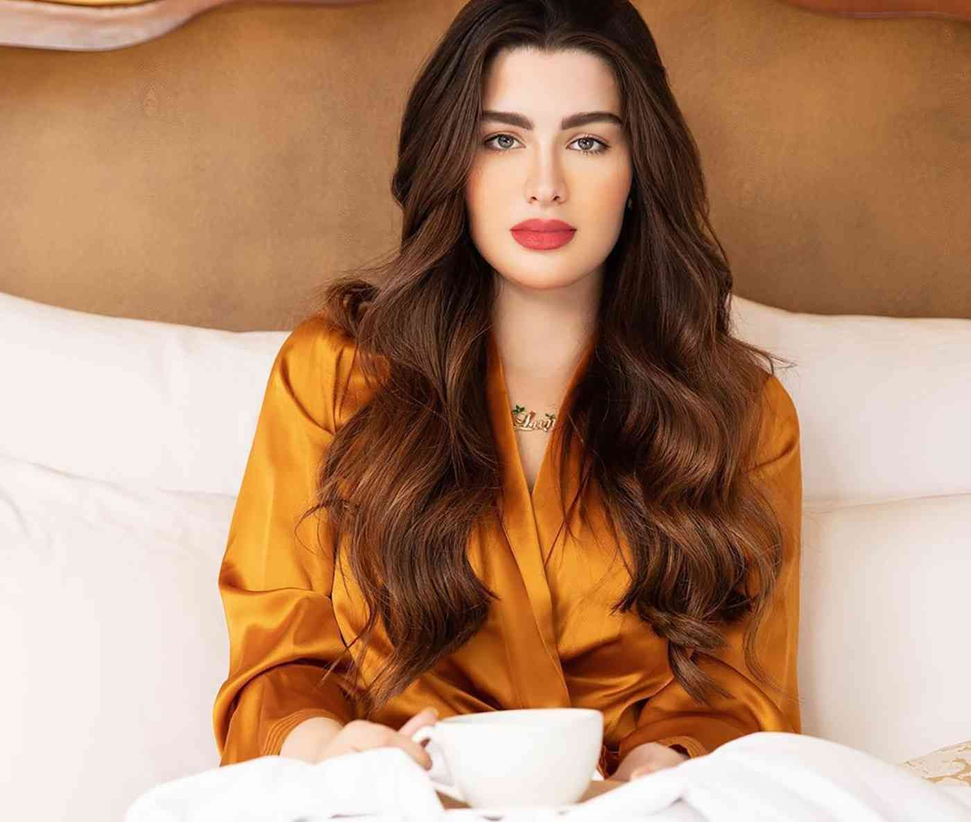 روان بن حسين تكشف تفاصيل مثيرة عن طلاقها اليمن الغد Long Hair Styles Arab Beauty Beauty