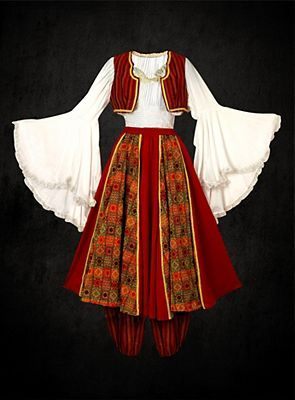 eb78f81a06f15 European Traditional Dress