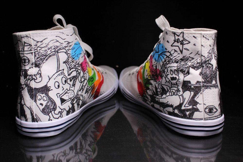 Scarpe Personalizzate in stile fumetto, con colori e disegno