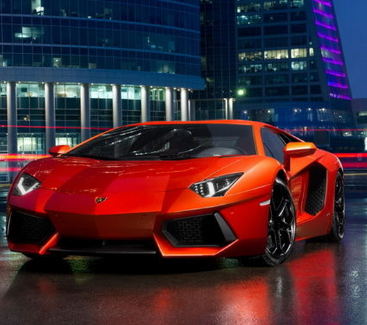 The Ferrari F8 Tributo Is The Most Powerful V8 Car Its: Lamborghini Putting Out The Vibe With It's Eye Catching