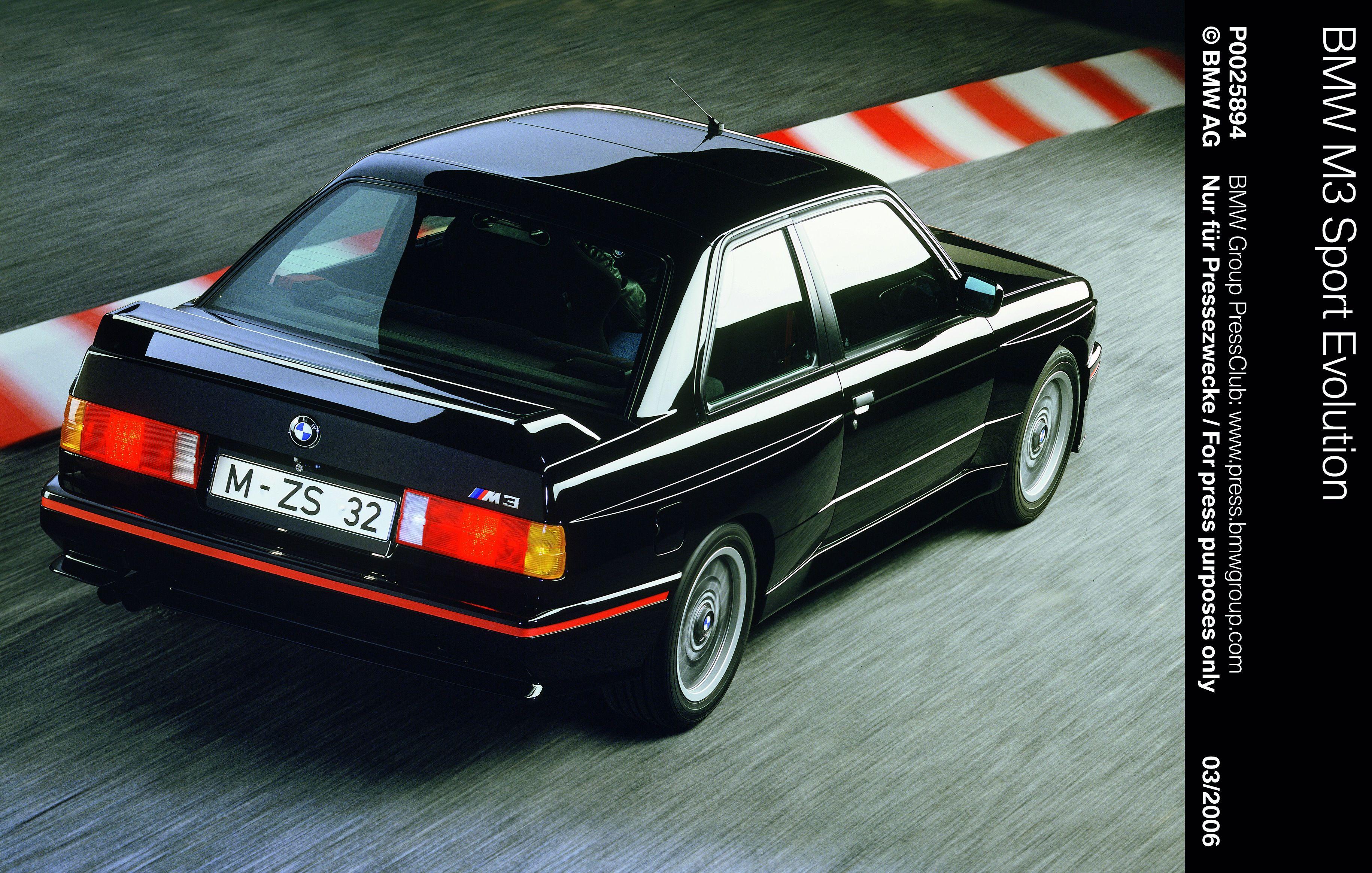 Bmw M3 Evo Black Com Imagens Bmw M3 E30 Bmw Bmw E30