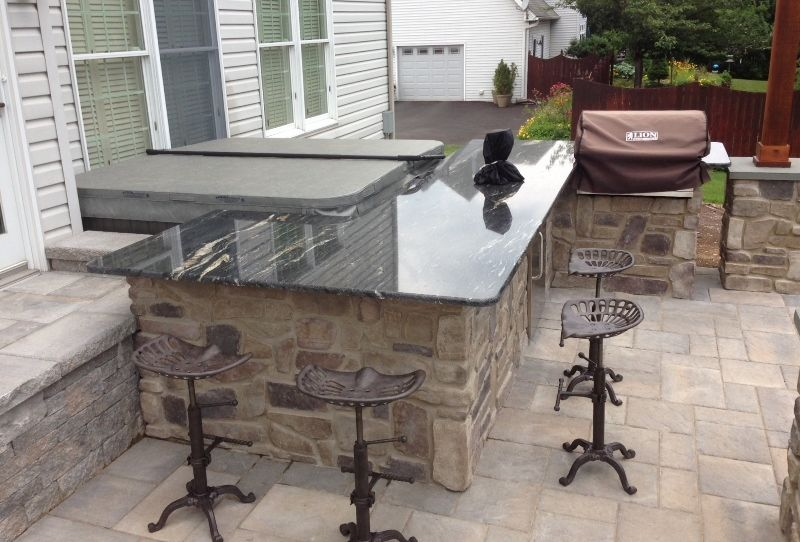 Beautiful Granite Countertops Installed On An Outdoor Bar With Stone Veneer Gas Grill Refrigerator Beer Tap And Outdoor Bar Granite Countertops Patio Stones