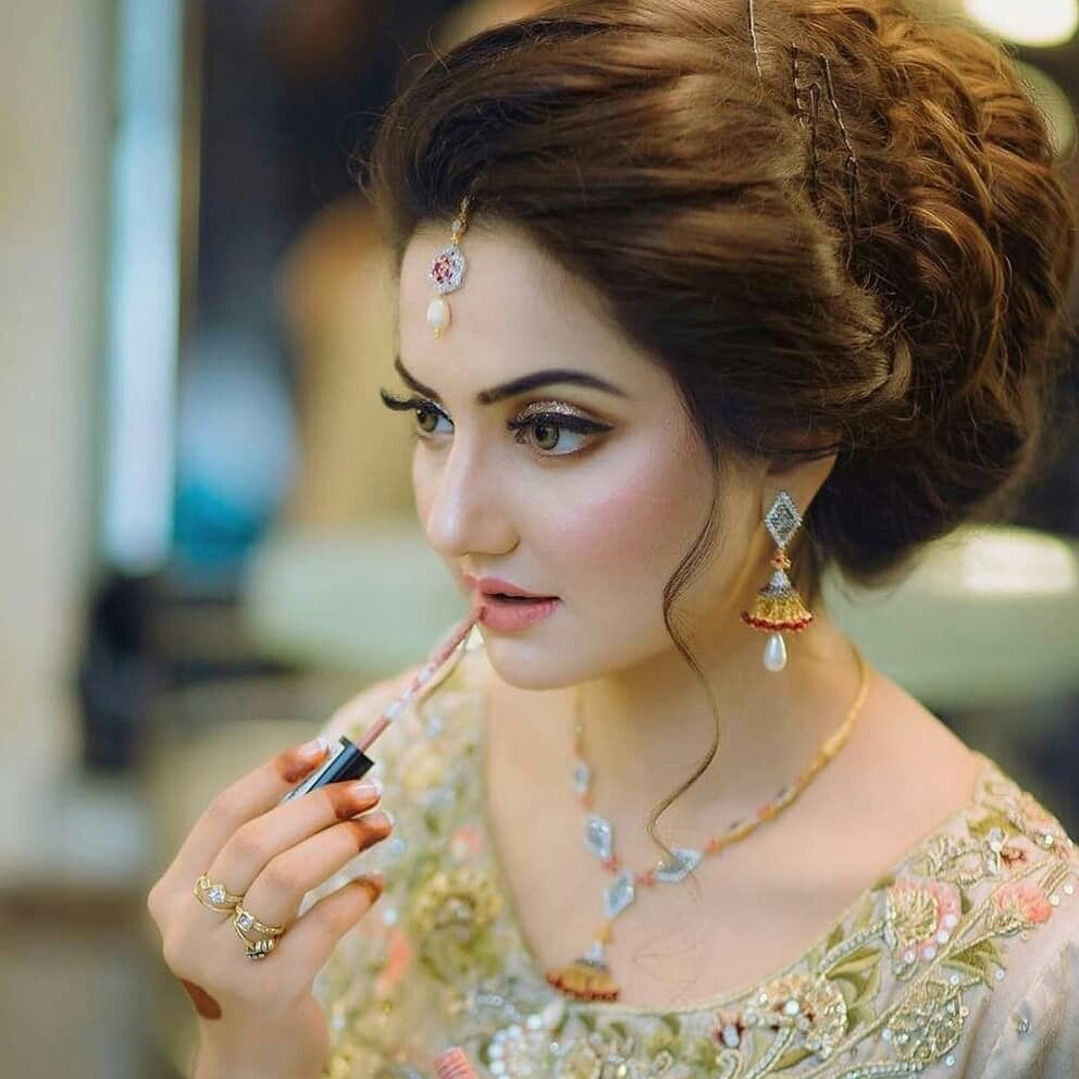 Pin By Xox Queen Xox On Bridal Makeup Pakistani Bridal Hairstyles Indian Wedding Hairstyles Pakistani Bridal Makeup