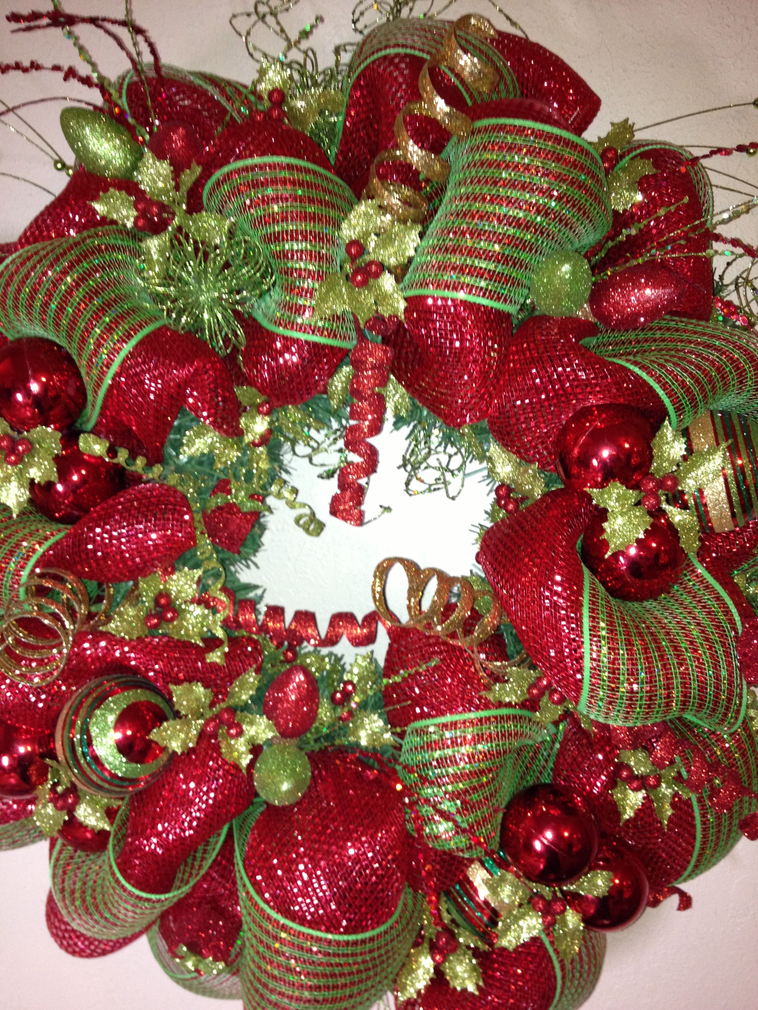 Love this wreath. Would look perfect )) Christmas mesh