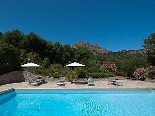 Villa Avec Piscine Dans Un Village, Superbe Vue Montagne, Proximité Mer    Corse |