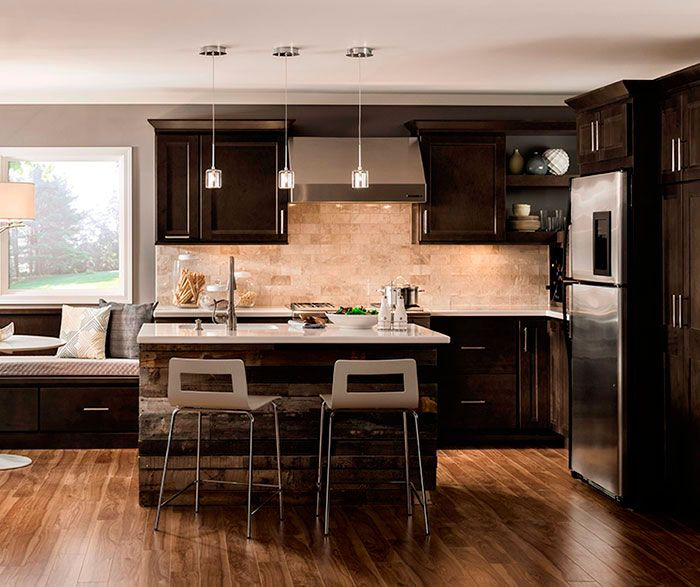 Kitchen Paint Colors With Dark Maple Cabinets: Dark Maple Cabinets In A Casual Kitchen