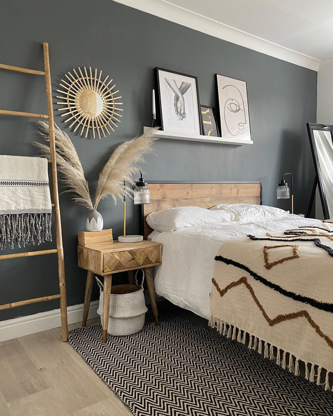Mel Interior Inspiration S Instagram Post Morning Guys I M Dragging Myself Out Of This Here Bedroom Decor Guest Bedroom Decor Modern Living Room Interior