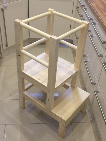 hochstuhl lernturm nach montessori stuhl hocker kinder baby neuer lernstuhl damit die. Black Bedroom Furniture Sets. Home Design Ideas