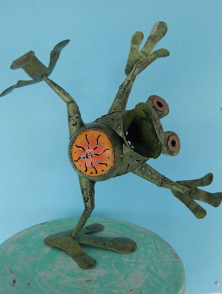 lustiger frosch aus metall für haus & garten im beet teich, Gartenarbeit ideen
