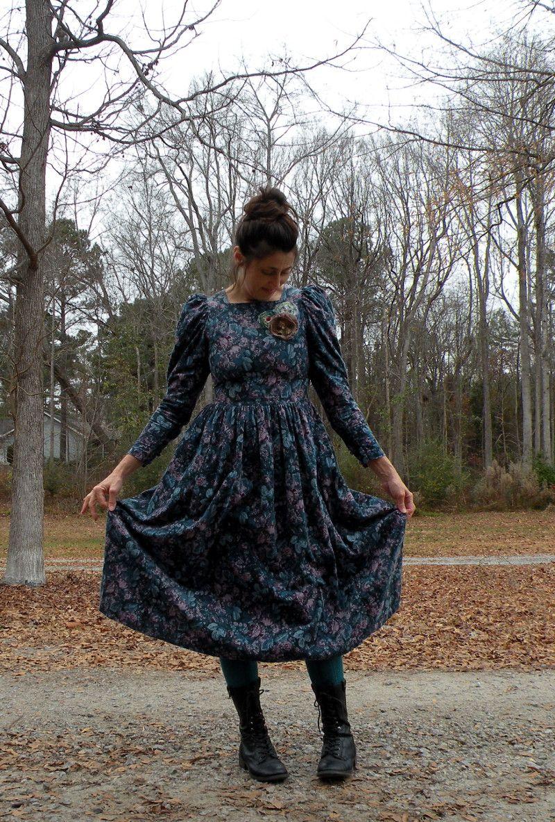 robe vintage laura ashley des ann es 70 comment porter. Black Bedroom Furniture Sets. Home Design Ideas