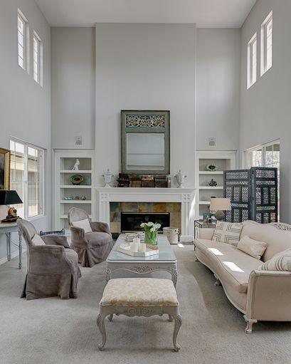 Luxurious Gray Living Room With High Ceilings Walls Are Dunn Edwards Miners Dust