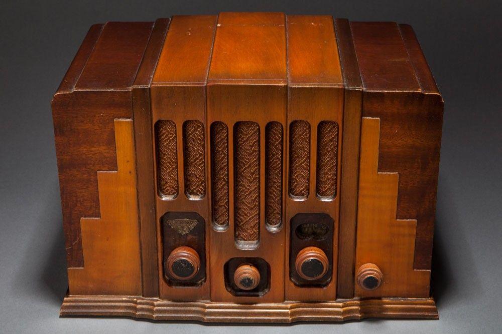 """RCA Victor Radio Model 115 """"Skyscraper"""" Art Deco Design"""