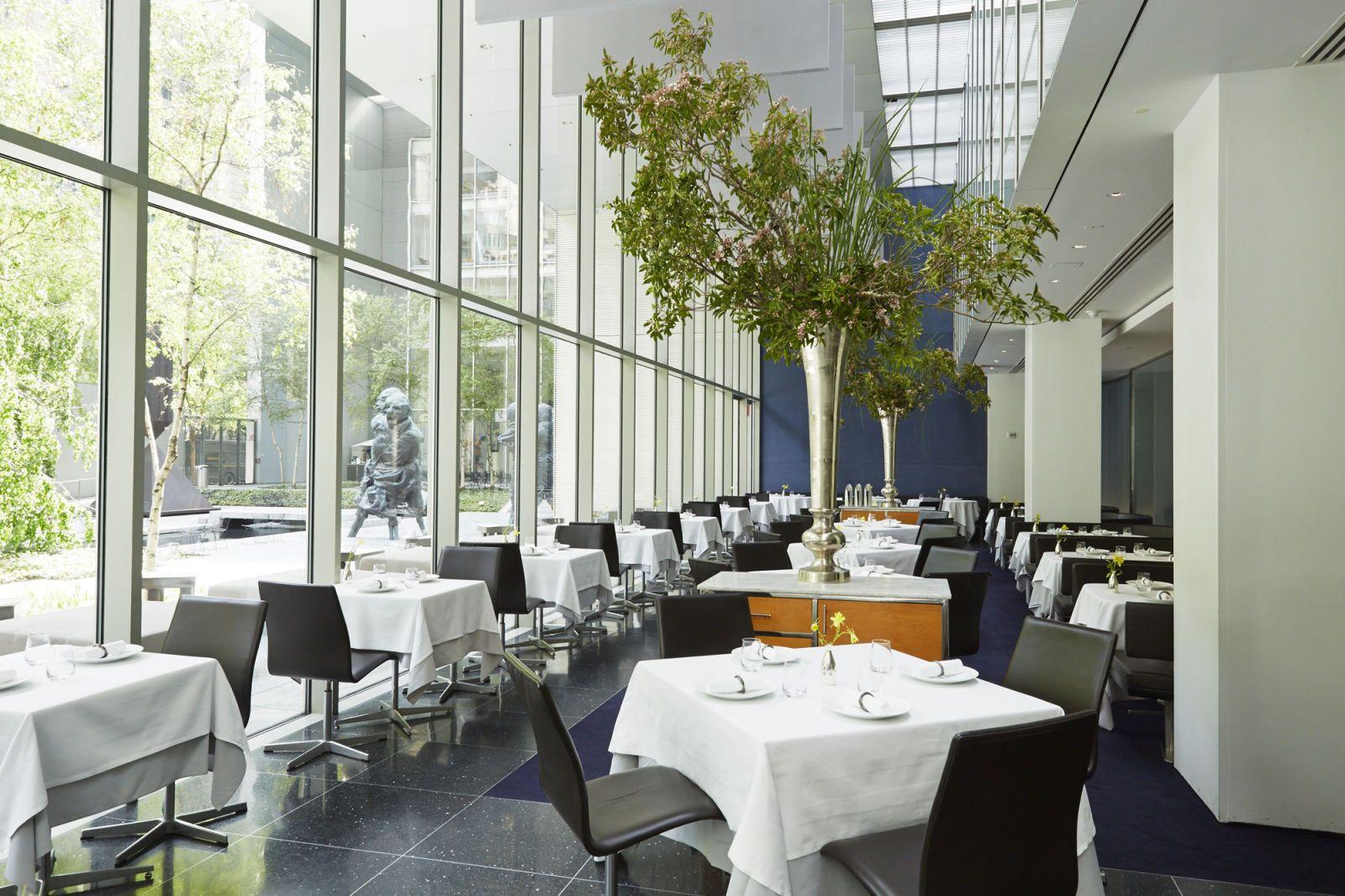 The Best Garden Dining Around The World Restaurant New York Luxury Restaurant Modern Restaurant