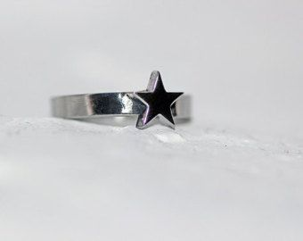 Star Ring-  reminds me of Wonder Woman. :o)