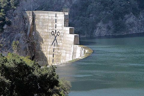Graffiti on divisive dam near Ojai, CA