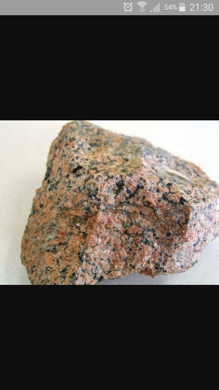 Sienita La sienita es una roca plutónica caracterizada por la ...