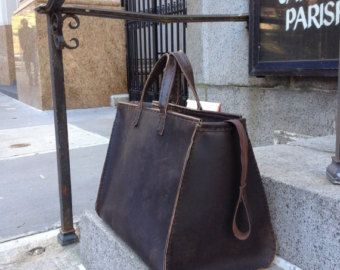 Etsy の Overnight bag women leather travel by LUSCIOUSLEATHERNYC