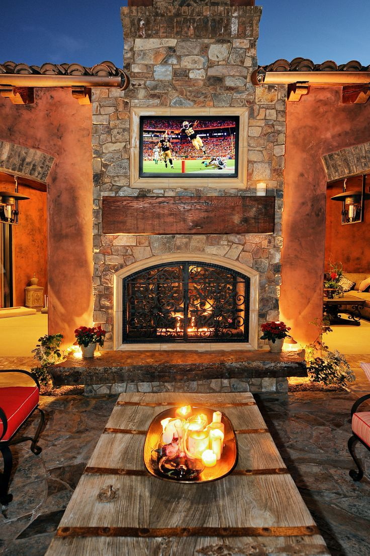 Outdoor Living With Lcd Tv Above Fireplace