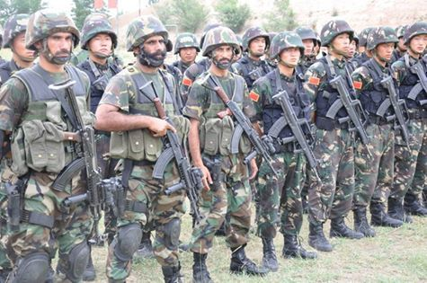 Pakistani SSG and Chinese PLA SOF during an exercise.