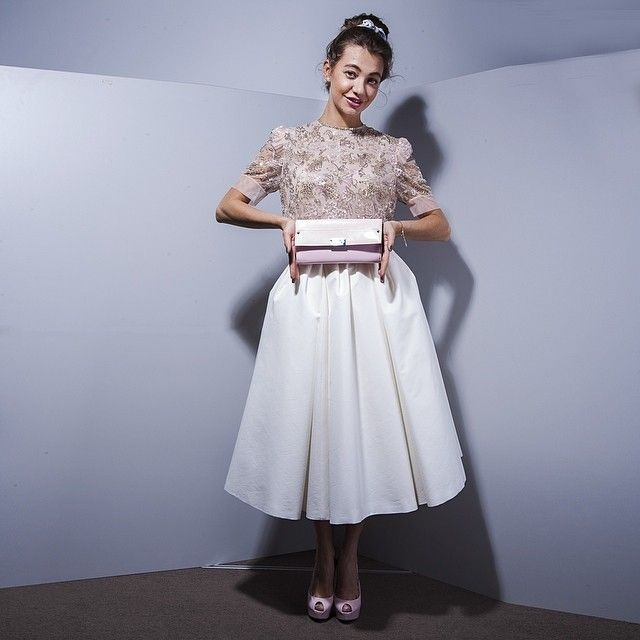 Top Jenny Packham, skirt, shoes Dior, clutch Jimmy Choo, headpiece - Alexandre de Paris