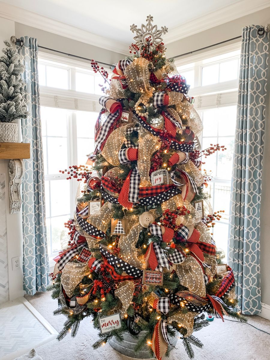 How To Decorate Your Christmas Tree With Ribbon Like A Pro Video Tutorial Plus Bonus Video Ribbon On Christmas Tree Plaid Christmas Decor Christmas Tree Inspiration