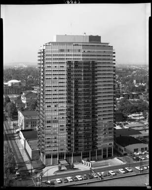 800 Building, A 29 Story Apartment Building At 800 S. 4th Street, Louisville